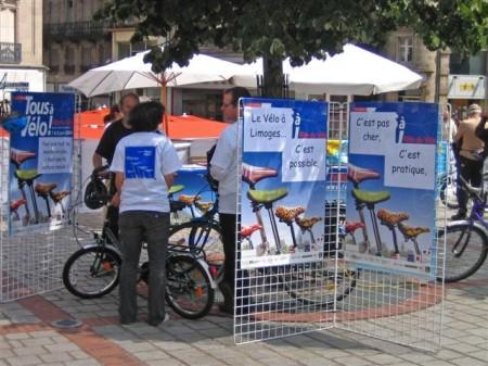 Stand de la fête du vélo de véli-vélo