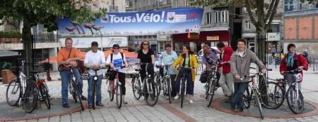 Les véli-vélo près à  animer le stand de la fête du vélo