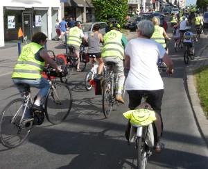 Dans le long cortège on retrouve tout type de vélo, et des cyclistes de 1 à 77 ans ;)