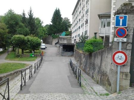 interdiction rive gauche près du pont Saint-Etienne